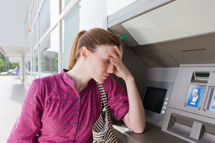 Банкомат не отдает карту